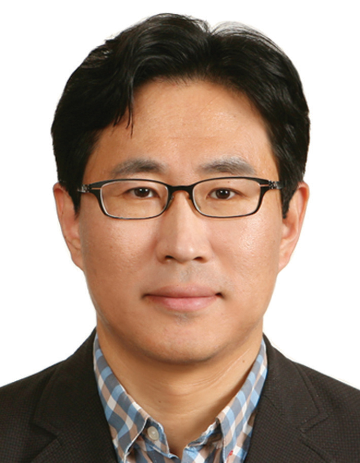 Photo of Yoo Seok Yoon